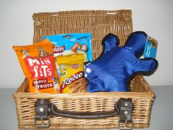 Blue Greyhound hamper 250 2012
